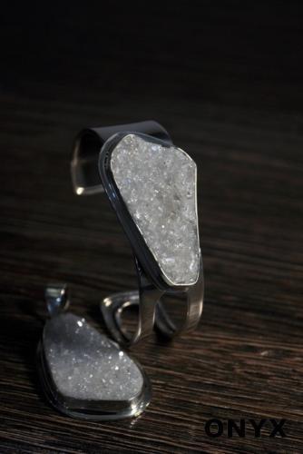 Bransoleta i wisior srebrny (925) z kryształem górskim z Uralu