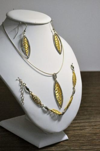 Komplet biżuterii srebrnej (925) rodowany i pozłacany