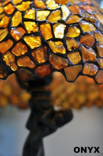 Witrażowe lampy bursztynowe małe i większe - nadają pomieszczeniom niepowtarzalny klimat