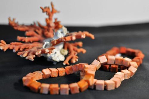 Bransoletki z koralowca